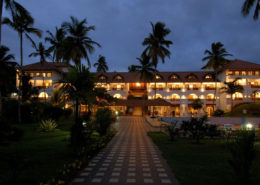 honeymoon estuary-island-resort-poovar