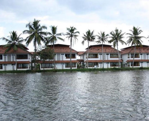honeymoon resort in kumarakom